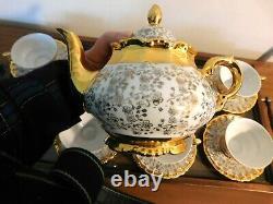 17 Piece Wunsiedel Bavaria Porcelain Tea Set, 24k Gold On White, Service For 6, P
