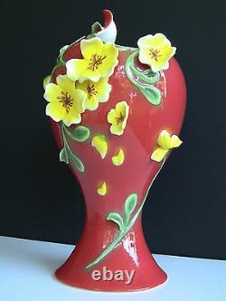 Manchu Rose Savoy Sculptured Porcelain Tea Set & Vase