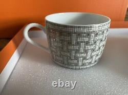NEW HERMES Porcelain Tea Cup Saucer Mosaique Au 24 Platinum Tableware (1 Set)