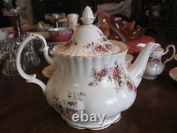 Super collector ROYAL ALBERT TEA SET LAVENDER 12 PIECES porcelain new