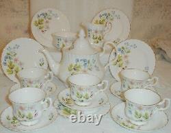Vintage Richmond Royal Albert ANEMONE TEA SET with TEA POT Excellent Condition
