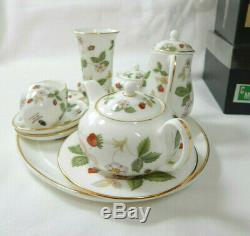 Wedgwood Miniature Tea Set Wild Strawberry Boxed English Porcelain Vintage