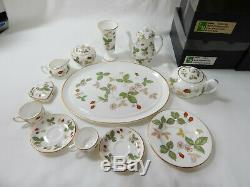 Wedgwood Miniature Tea Set Wild Strawberry Boxed English Porcelain Vintage